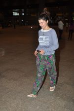 Kainaat Arora return from IIFA in Mumbai Airport on 29th April 2014 (61)_5360d70c15a25.JPG