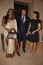 Laxmi Narayan Tripathi, Imran Khan and Celina Jaitley, the goodwill ambassador of the United Nations (UN) Free and Equal Campaign launches her song on LGBT in Mumbai on 30th April 2014(89)_536266a93b0f7.JPG