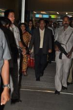 Narayan Rane snapped with family at airport in Mumbai on 30th April 2014 (7)_53625402e577b.JPG