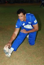 20-20 Gold Charity Cricket Match in Mumbai on 2nd May 2014 (42)_53677e2f0cd89.JPG