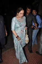 Kiron Kher visit Aditya Chopra_s residence in Mumbai on 4th May 2014 (7)_536794b8b1f7f.JPG