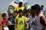 chris gayle at addidas fifa event in Priyadarshini Park, Mumbai on 8th May 2014 (1)_536c5c4f42359.JPG