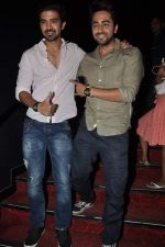Ayushmann Khurrana promotes Hawaa Hawaai with Saqib Saleem in PVR, Mumbai on 9th May 2014 (43)_536dbf421e862.JPG