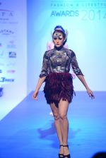 Model walks for Tassel 2014 in Mumbai on 9th May 2014 (114)_536dbbba04c24.JPG
