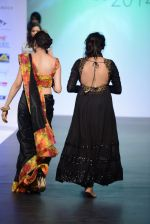 Model walks for Tassel 2014 in Mumbai on 9th May 2014 (135)_536dbbe6e309e.JPG