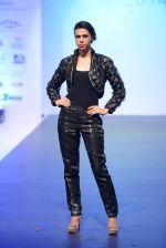 Model walks for Tassel 2014 in Mumbai on 9th May 2014 (138)_536dbbf78dea8.JPG
