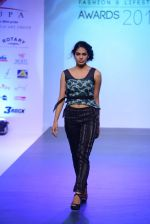 Model walks for Tassel 2014 in Mumbai on 9th May 2014 (140)_536dbc1157191.JPG