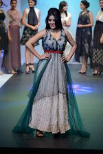 Model walks for Tassel 2014 in Mumbai on 9th May 2014 (158)_536dbc4194940.JPG