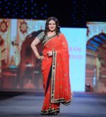Poonam Dhillon walks for Vikram Phadnis at Pidilite CPAA Show in NSCI, Mumbai on 11th May 2014  (42)_5370b36d89c38.JPG
