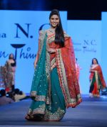 Sakshi Tanwar walks for Shaina NC at Pidilite CPAA Show in NSCI, Mumbai on 11th May 2014 (119)_5370b2c810eea.JPG