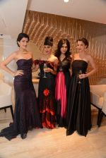Lisa Mangaldas, Nisha Jamwal at Zoya store launch hosted by Nisha Jamwal in Mumbai on 15th May 2014 (143)_53757abd588b9.JPG