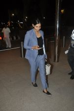 Rhea Kapoor leave for Cannes in Airport, Mumbai on 16th May 2014 (16)_5376f48284edb.JPG