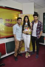 Siddharth Gupta,Simran Kaur mundi,Ashish Juneja promotes Kuku Mathur Ki Jhand Ho Gayi film at Radio Mirchi in Parel on 16th May 2014 (18)_5376fa112db57.JPG