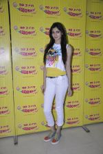 Simran Kaur mundi promotes Kuku Mathur Ki Jhand Ho Gayi film at Radio Mirchi in Parel on 16th May 2014 (58)_5376fa0eaa777.JPG