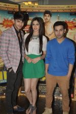 Simran Kaur Mundi, Siddharth Gupta, Ashish Juneja at Kuku Mathur Ki Jhand Ho Gayi film promotions in Yashraj, Mumbai on 19th May 2014 (33)_537af310a9410.JPG