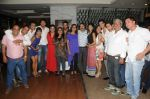 Tony and Deeya Singh alongwith Cast & Crew  of Ek Mutthi Aasmaan at Ek Mutthi Aasmaan TV Serial celebration party in Mumbai on 20th May 2014_537cb573e229e.JPG
