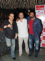 ravi behl, raju singh and jaaved jaaferi at the boogie woogie karaoke party at Rude Lounge, Bandra_537cb4d37a469.jpg