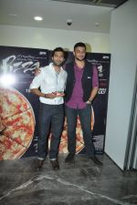 Arunoday Singh, Akshay Oberoi at Pizza 3d trailor launch in Mumbai on 21st May 2014 (32)_537d67495fa8e.JPG