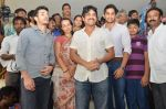Akkineni Nagarjuna Family at sai baba Temple on 22nd May 2014 (28)_537ef3cdafe8e.jpg