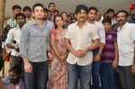 Akkineni Nagarjuna Family at sai baba Temple on 22nd May 2014 (29)_537ef3ce2d142.jpg