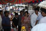 Akkineni Nagarjuna Family at sai baba Temple on 22nd May 2014 (37)_537ef3d1be935.jpg