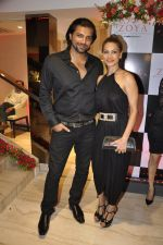 Chetan Hansraj at Zoya launches its new store & stunning new collection Fire in Mumbai on 22nd May 2014 (14)_537f271574604.JPG