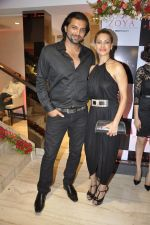 Chetan Hansraj at Zoya launches its new store & stunning new collection Fire in Mumbai on 22nd May 2014 (15)_537f27161d622.JPG