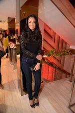 Shamita Singha at Zoya launches its new store & stunning new collection Fire in Mumbai on 22nd May 2014 (76)_537f280d44e0b.JPG
