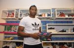 Keron Pollard promotes Addidas with kids in Palladium, Mumbai on 24th May 2014 (28)_5381c21c798c6.JPG