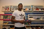 Keron Pollard promotes Addidas with kids in Palladium, Mumbai on 24th May 2014 (29)_5381c21cea69e.JPG