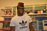 Keron Pollard promotes Addidas with kids in Palladium, Mumbai on 24th May 2014 (32)_5381c21ddf5db.JPG