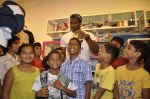 Keron Pollard promotes Addidas with kids in Palladium, Mumbai on 24th May 2014 (33)_5381c21e5a10e.JPG