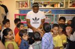Keron Pollard promotes Addidas with kids in Palladium, Mumbai on 24th May 2014 (37)_5381c221531ac.JPG