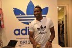 Keron Pollard promotes Addidas with kids in Palladium, Mumbai on 24th May 2014 (4)_5381c20edcef9.JPG
