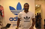 Keron Pollard promotes Addidas with kids in Palladium, Mumbai on 24th May 2014 (5)_5381c20f5797e.JPG