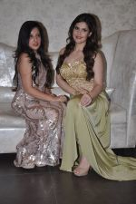 Zarine Khan at Amy Billimoria store in Santacruz, Mumbai on 28th May 2014 (100)_538709fb35743.JPG