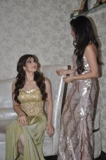 Zarine Khan at Amy Billimoria store in Santacruz, Mumbai on 28th May 2014 (102)_538709fc39bb8.JPG