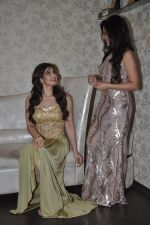 Zarine Khan at Amy Billimoria store in Santacruz, Mumbai on 28th May 2014 (103)_538709fcb87a1.JPG