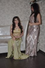 Zarine Khan at Amy Billimoria store in Santacruz, Mumbai on 28th May 2014 (105)_538709fdb7d15.JPG