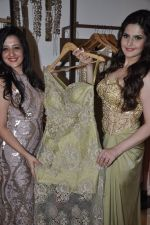 Zarine Khan at Amy Billimoria store in Santacruz, Mumbai on 28th May 2014 (120)_53870a056eab3.JPG