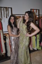 Zarine Khan at Amy Billimoria store in Santacruz, Mumbai on 28th May 2014 (122)_53870a067002c.JPG