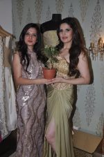 Zarine Khan at Amy Billimoria store in Santacruz, Mumbai on 28th May 2014 (124)_53870a07a0a47.JPG