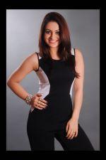 Aksha Photoshoot (32)_538b19a089557.jpg