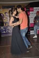 Kiara Advani, Mohit Marwah with Fugly team visits Viviana Mall in Thane on 1st June 2014 (312)_538bf2014c1ca.JPG