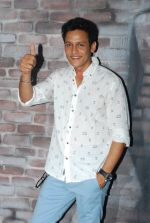 Abhishek Rawat at Bhatak Lena Bawre serial bash at Villa 69 in Mumbai on 2nd June 2014 (84)_538d5f0da73f3.JPG