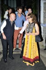 Hrithik Roshan snapped with his family in NIDO on 3rd June 2014 (103)_538ec252cc545.JPG
