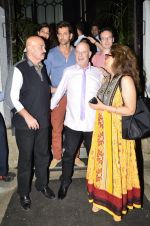 Hrithik Roshan snapped with his family in NIDO on 3rd June 2014 (107)_538ec2cc898cb.JPG