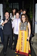 Hrithik Roshan snapped with his family in NIDO on 3rd June 2014 (21)_538ec24e18f1d.JPG
