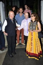 Hrithik Roshan snapped with his family in NIDO on 3rd June 2014 (99)_538ec2c8bb061.JPG