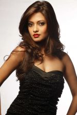 Riya Sen photo shoot on 3rd June 2014 (12)_538ef47e86e48.jpg